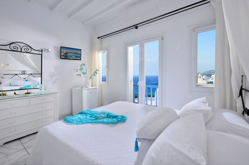 DELUXE ROOMS WITH SEA VIEW
